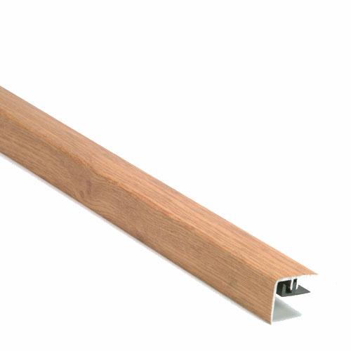Nez de marche pour plancher stratifié couleur chêne