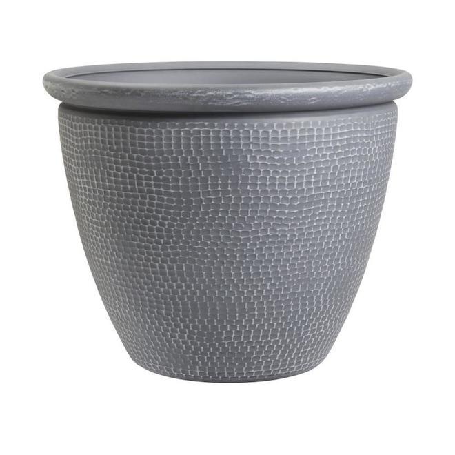 Grosfillex Cerritos Grey Indoor Outdoor Resin Planter - 18.11-in x 22.68-in
