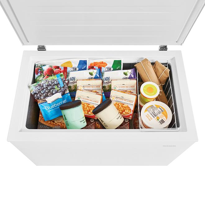 Frigidaire Horizontal Freezer with Manual Defrost - 7.2 cu. ft. - White
