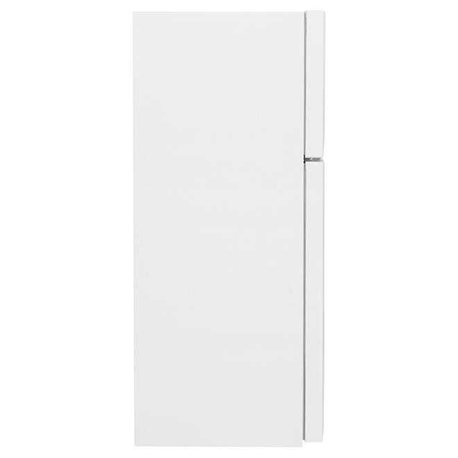 """Frigidaire 30"""" Top-Freezer Refrigerator - 18.3 cu. ft. - White"""