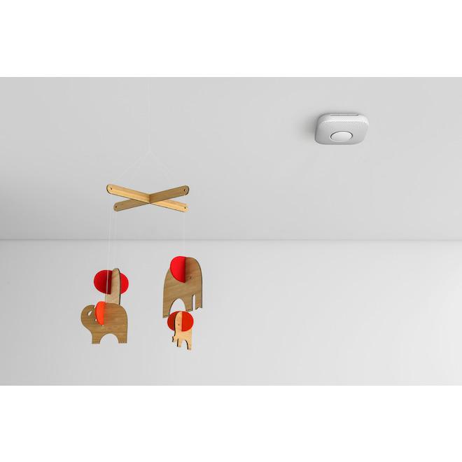 Avertisseur intelligent de fumée et de monoxyde de carbone Nest Protect de Google, à piles, plastique, blanc