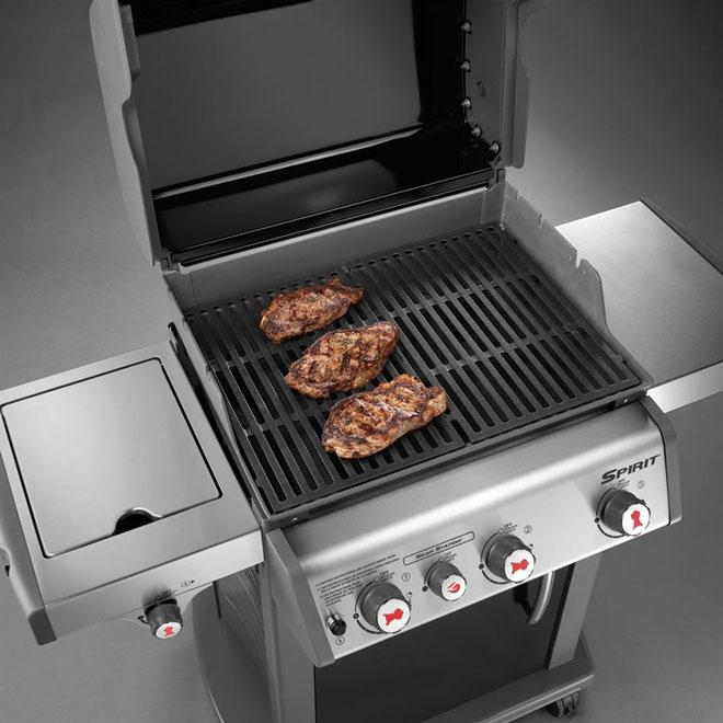 Barbecue au gaz propane liquide Weber E-330, 49 500 BTU, noir