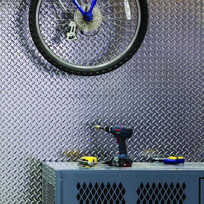 Diamond Plate Wall Panel - 4' x 8'