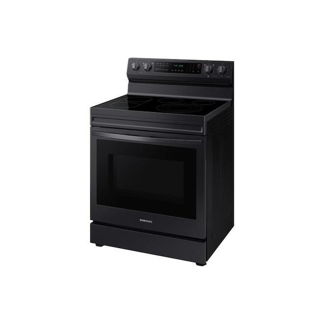 Cuisinière autoportante à convection  Samsung avec friture à air et connexion WI-Fi, 6,3 pi³, noir acier inoxydable