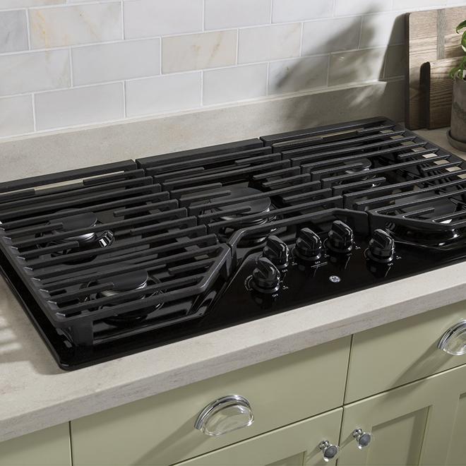 """Gas Cooktop - 5 Burners - 36"""" - Black"""