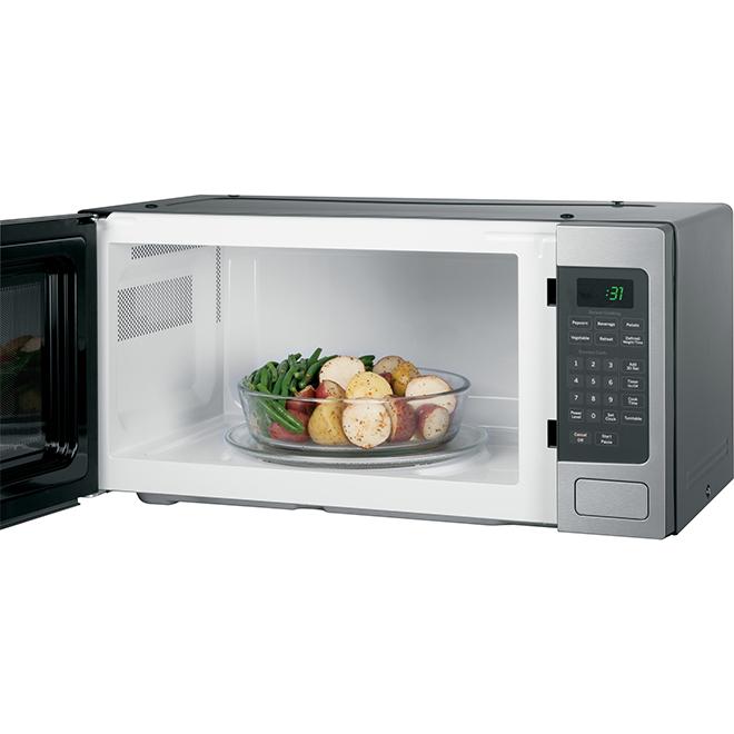 Four à micro-ondes de comptoir, 800 W, 1,1 pi³, inox