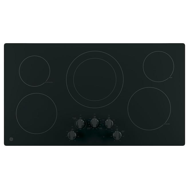 Table de cuisson électrique 36 po lisse à 5 brûleurs de GE, noir sur noir