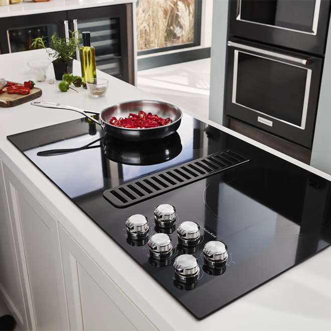 "Electric Cooktop with Ventilation System - 36"" - Black"