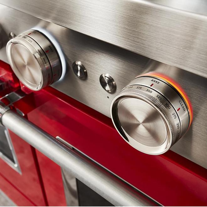 """Cuisinière bi-énergie KitchenAid, 48"""", 6 brûleurs, rouge"""