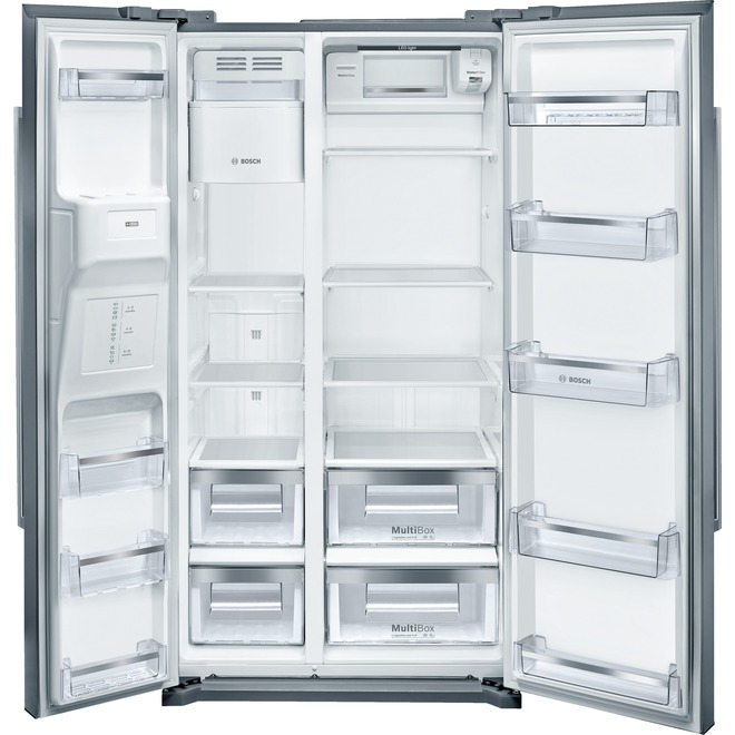 Refrigerator with Water and Ice Dispenser - 20.2 cu. ft.