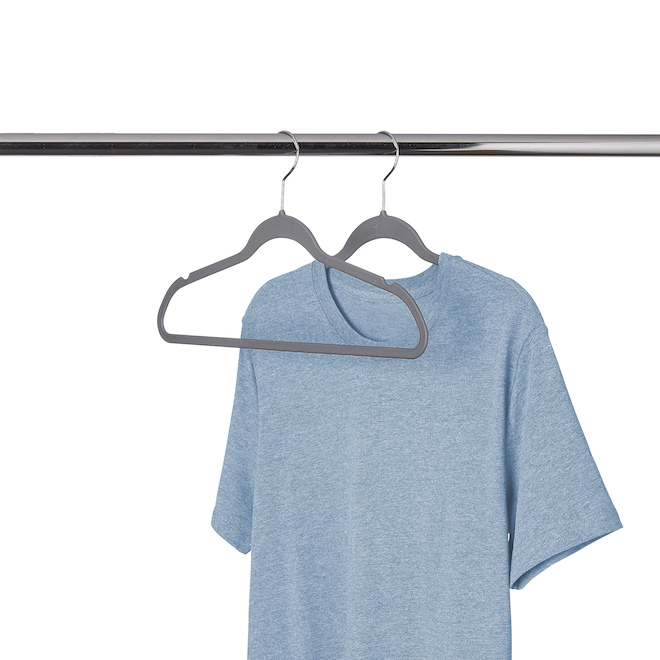 Cintres caoutchoutés Neatfreak pour vêtements, 17,5 po, 50/pqt gris