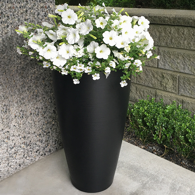 "Modesto Planter - 32"" - Polyethylene - Black"