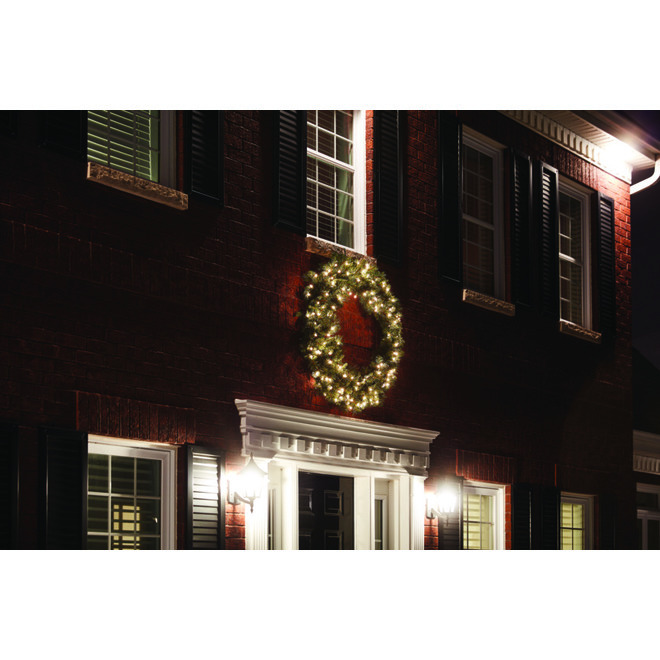 Holiday Living Scottsdale Pine Artificial Wreath - 60-in - 400 Incandescent Clear Lights - 500 Pine Tips