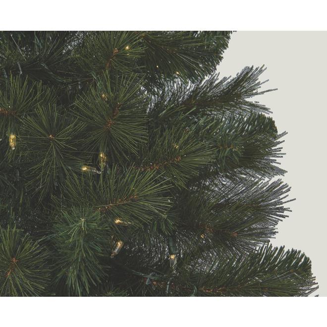 Holiday Living Hampton Illuminated Tree with 819 Tips - 7.5-ft