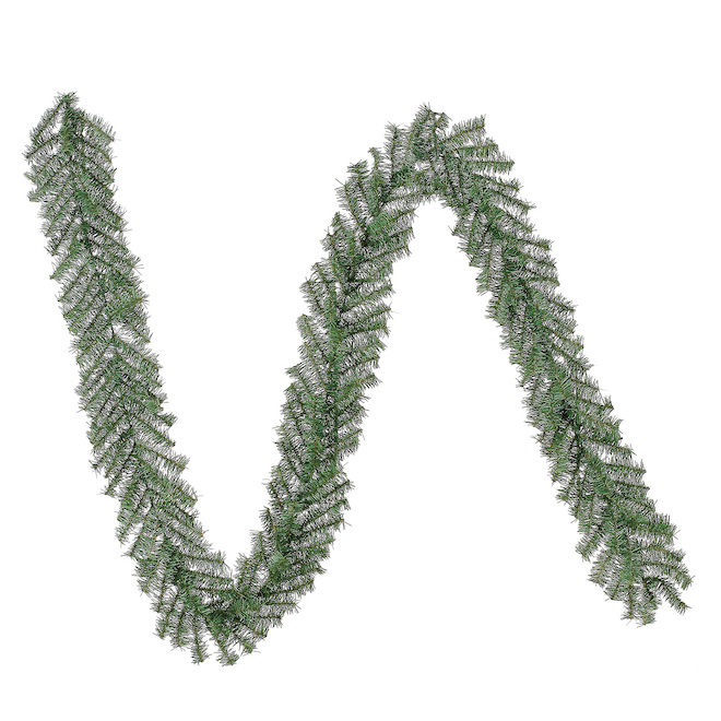 Holiday Living Vernon Fir Artificial Garland - 200 Tips - Unlit - 9-ft