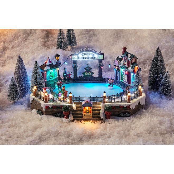 Scène animée et musicale Holiday Living avec partie de hockey, illuminée, Carole Towne, multicolore