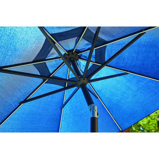 Parasol de marché Kirkwood par Style Sélections, éclairage DEL, aluminium/oléfine, inclinable, bleu marine