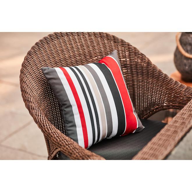 Coussin en polyester Garden Treasures, 16 po x 16 po, bande rouge