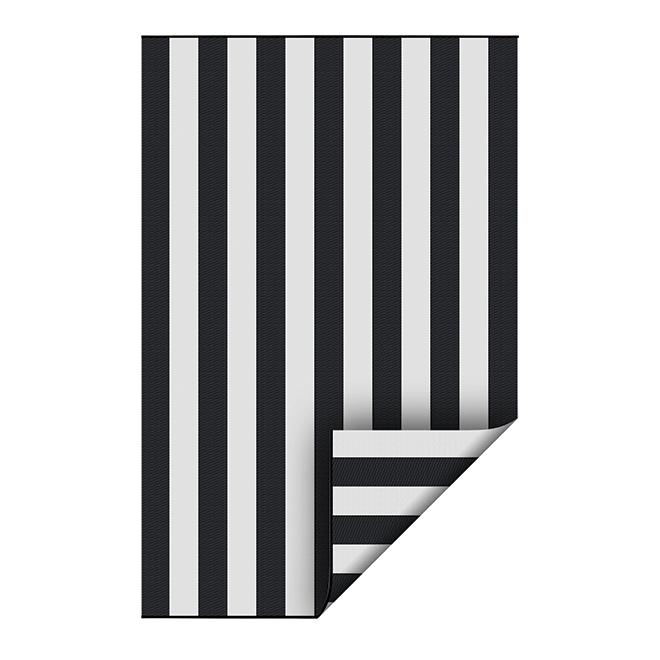 Reversible Outdoor Rug - Plastic - 5' x 7' - Black/White
