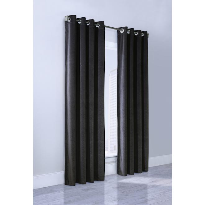 Panneau de rideau obscurcissant Minuit de Commonwealth 52 po x 84 po, noir