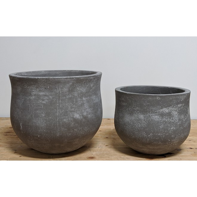 Global Planters - Cement  17.71-in x 14.96-in - Set of 2 Dark Grey