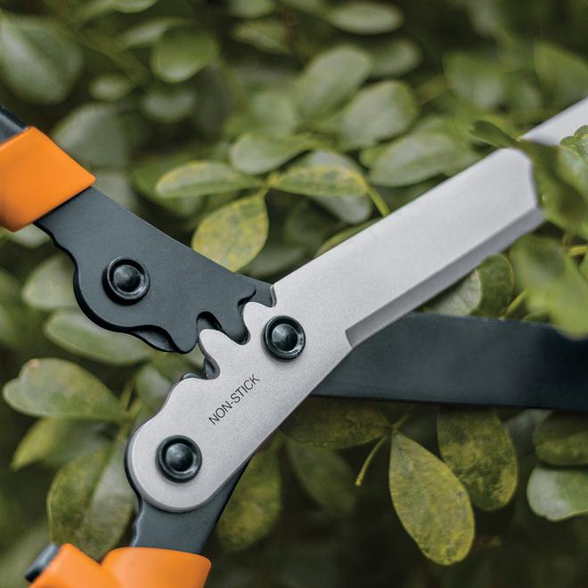 """Cisaille en acier Fiskars PowerGear2, 23"""", noir et orange"""