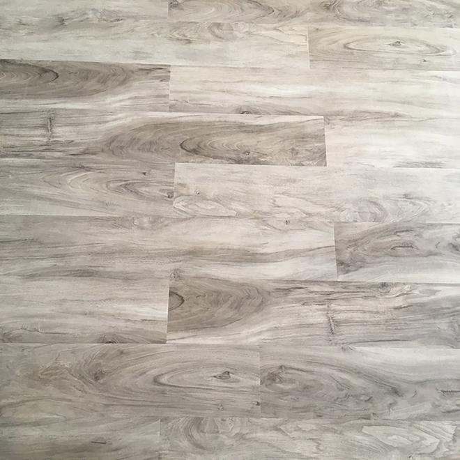 Plancher de vinyle Mono Serra Arizona, gris, 5,94 po x 48 po, 14 unités