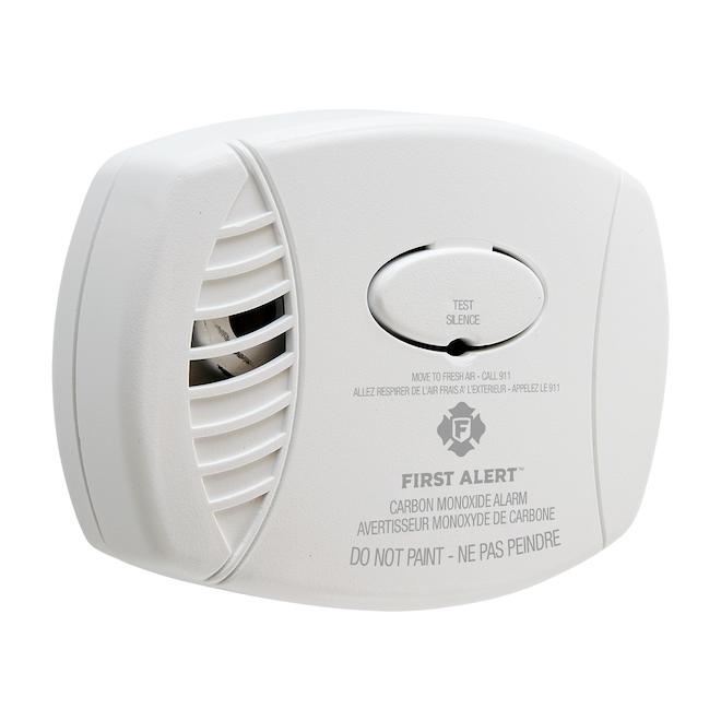 Avertisseur de monoxyde de carbone enfichable avec pile de secours First Alert, plastique, blanc
