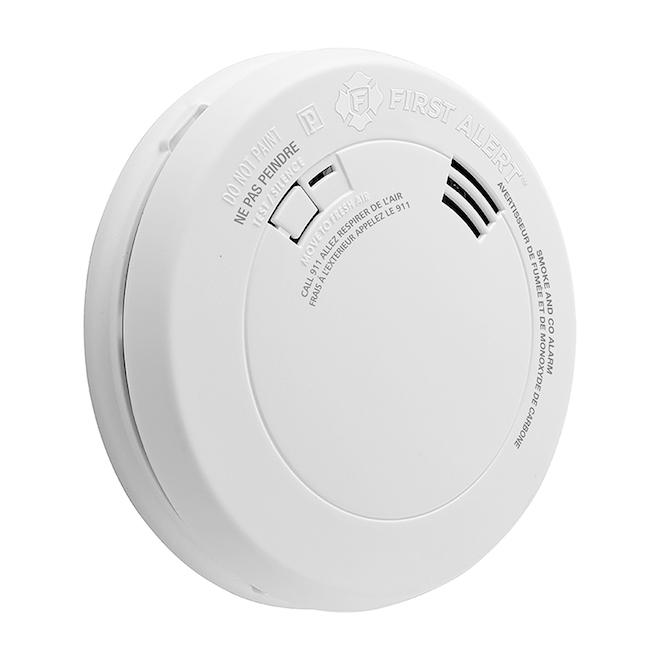 Avertisseur de fumée et de monoxyde carbone First Alert avec alerte vocale et batterie de 10 ans, plastique, blanc