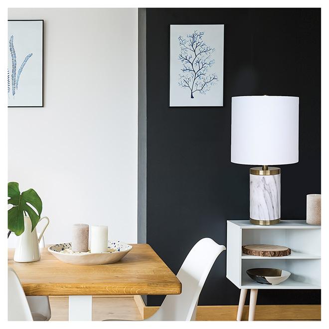 Lampe de table, abat-jour blanc, base en marbre et laiton