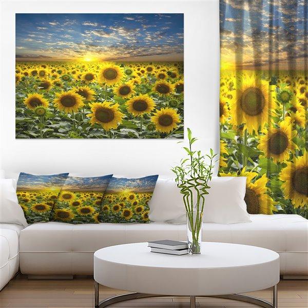 Designart Canada Sunflower 30-in x 40-in Canvas Wall Art