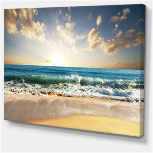 Blue Sea 40-in x 30-in Canvas Print Wall Art