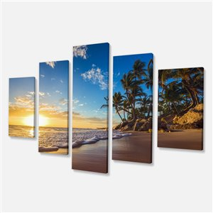 Designart Canada Tropical Beach Canvas Print 32-in x 60-in 5 Panel Wall Art