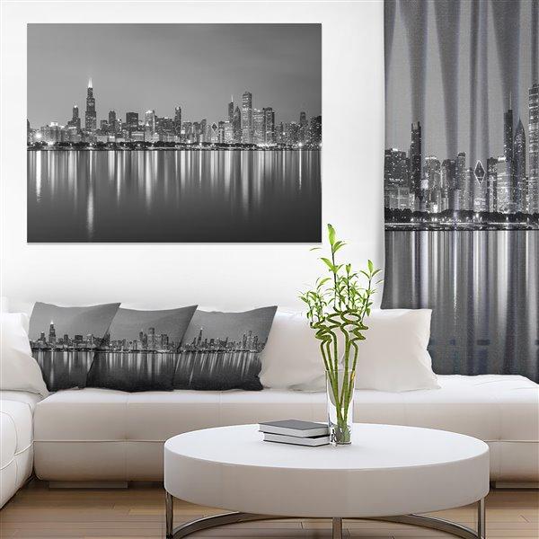Designart Canada Chicago Skyline at Night 30-in x 40-in Wall Art