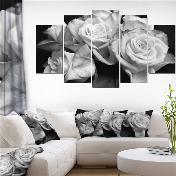 Designart Canada Bunch of Roses Black and White Canvas Print 32-in x 60-in 5 Panel Wall Art