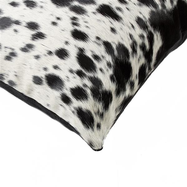 Natural by Lifestyle Brands 18-in Black and White Kobe Cowhide Pillow (2 Pack)