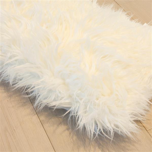LUXE Mongolian White 20-in x 20-in Faux Fur Pillows (2 Pack)
