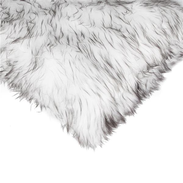 Luxe Belton 18-in Square Gradient Grey Faux Fur Pillows (2 Pack)