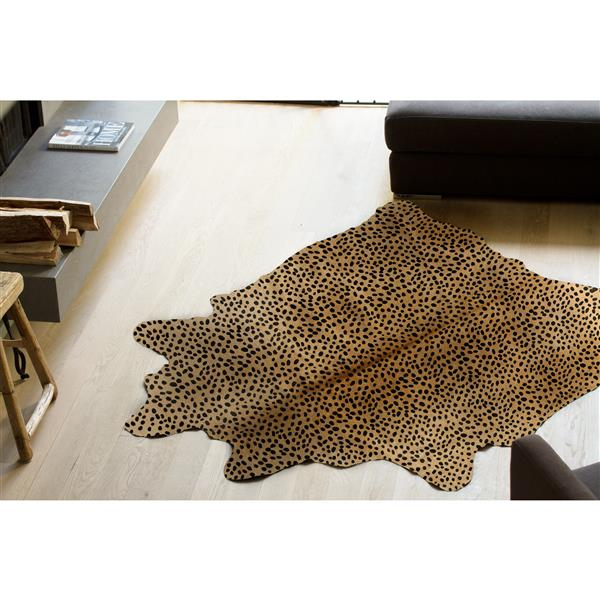 Natural by Lifestyle Brands 6' x 7' Cheetah Togo Cowhide Rug