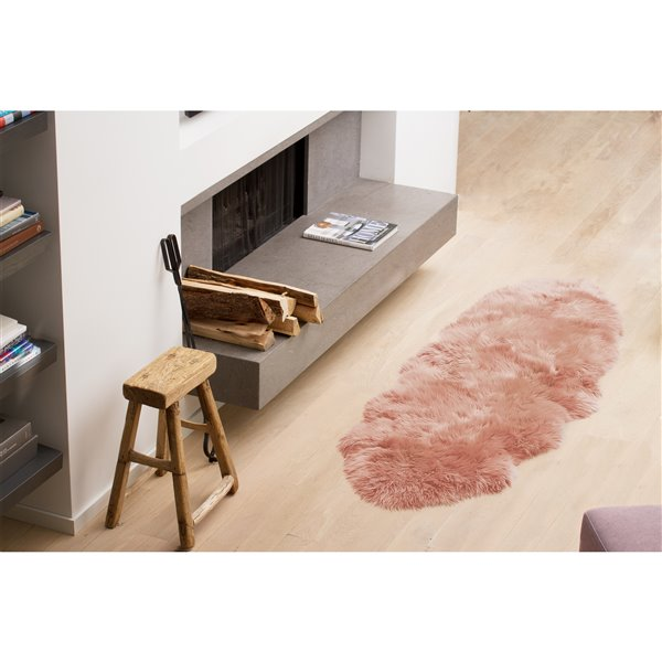 Natural by Lifestyle Brands 2-ft x 6-ft Pink New Zealand Double Sheepskin Rug