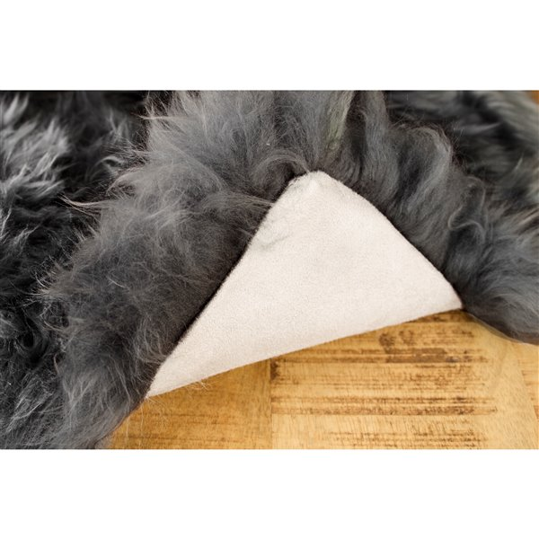 Natural by Lifestyle Brands 2-ft x 6-ft Grey New Zealand Double Sheepskin Rug