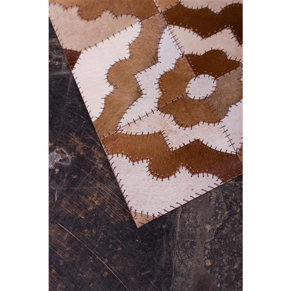 Natural by Lifestyle Brands Natural Stitch Hide 8-ft x 10-ft Marrakeche Brown Area Rug
