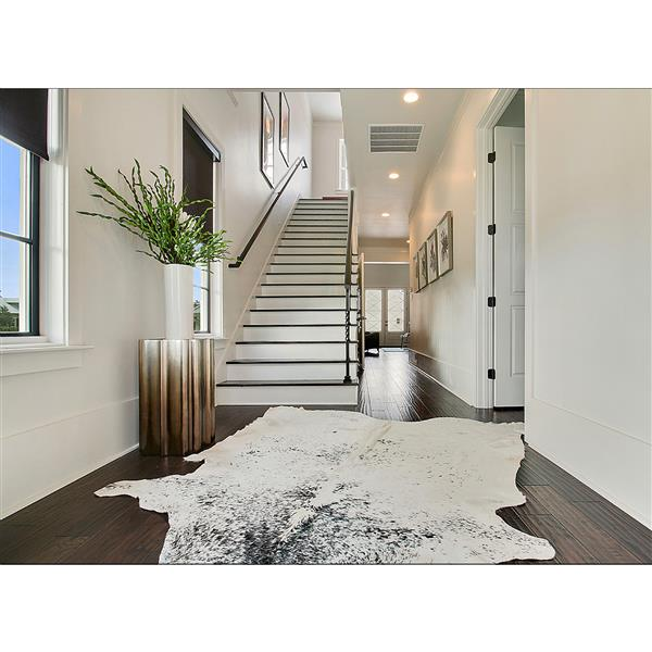 Natural by Lifestyle Brands Kobe Cowhide Rug - 6'x 7' - Black/White