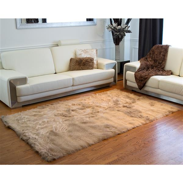 LUXE Hudson Faux Sheepskin 5-ft x 8-ft Tan Indoor Area Rug