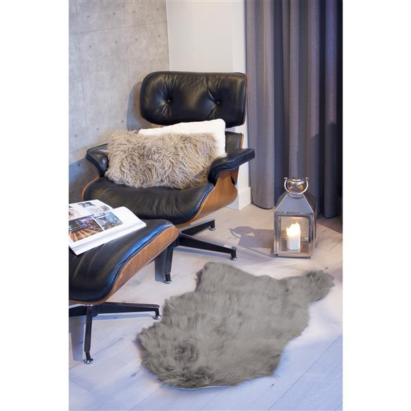 LUXE Gordon Faux Sheepskin 2-ft x 3-ft Dark Grey Area Rug