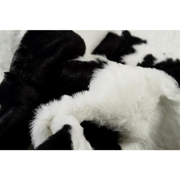 LUXE Faux Hide 5-ft x 7-ft Black & White Cow Indoor Area Rug