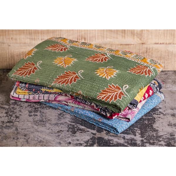 Natural by Lifestyle Brands Kantha 50-in x70-in 294 Cotton Vintage Handmade Throw