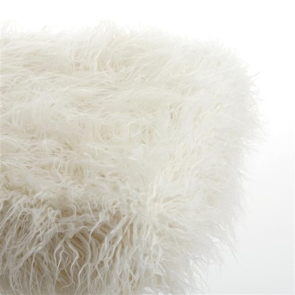 LUXE Modern Traditional 50-in x 70-in White Mongolian Sheepkin Faux Fur Throw