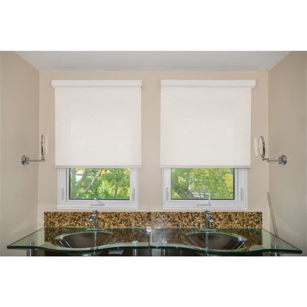 Sun Glow 62-in x 72-in Motorized Woven Roller Shade with Valance