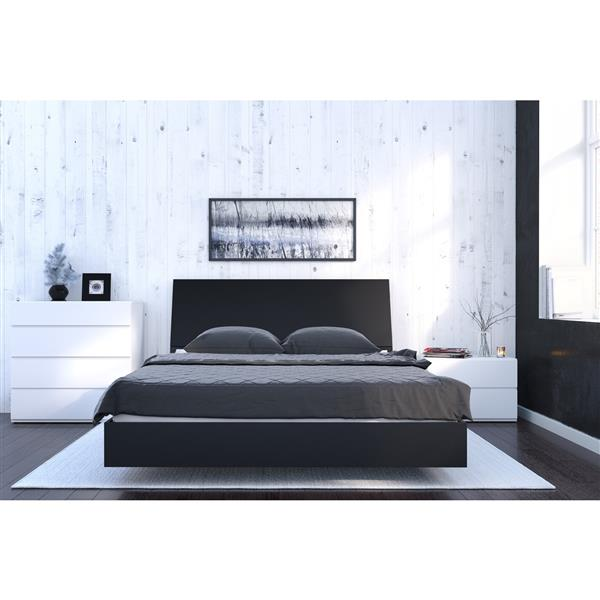 Nexera Ocra 4 Piece Black and White Queen Bedroom Set